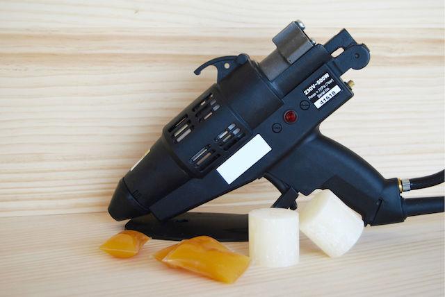 Pistola para adhesivo termofusible